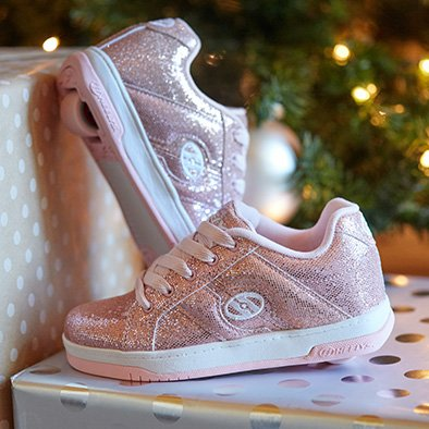 Image Links selection of Heelys sneakers for kids
