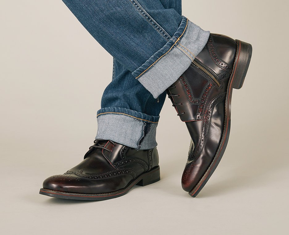 Image of Men's Rockport shoes.