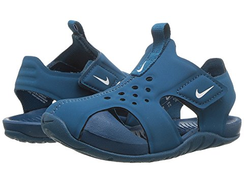 Image of Boys Nike Sandals. Links to all boys nike sandals