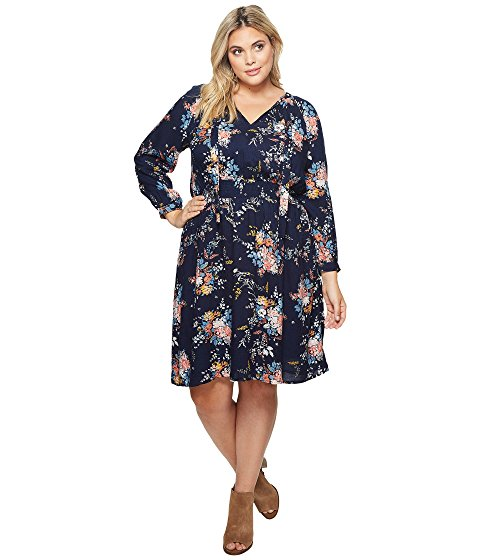 Image of plus size woman wearing a dress.