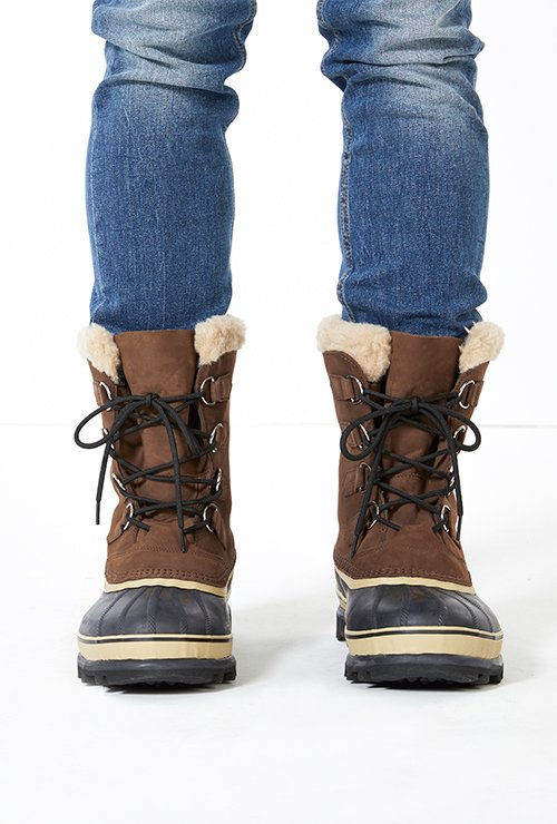 Clickable image of snow boots that links to a larger assignment.