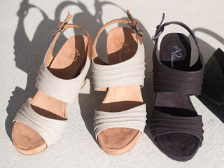 A 2/17 - New A2 by Aerosoles Comfort Sandals in Tan And Black