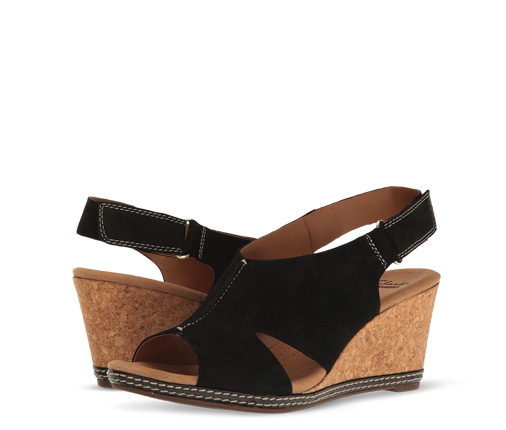 B 3/22 - Clarks Black And Cork Sandals
