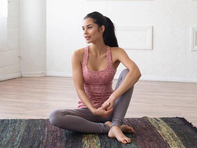 A 5/1 - Women's Yoga Leggings And Yoga Top