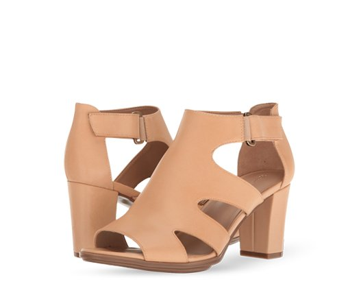 B 5/26 - Naturalizer Heeled Sandals