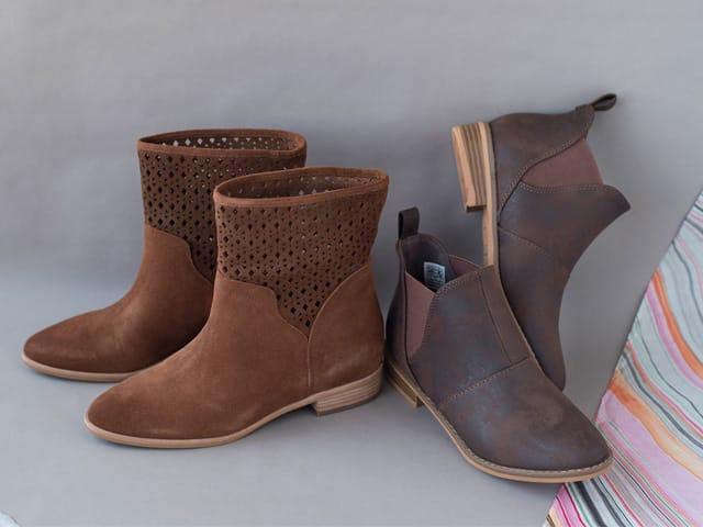 A 9/20 - Shop Women's Flat Boots