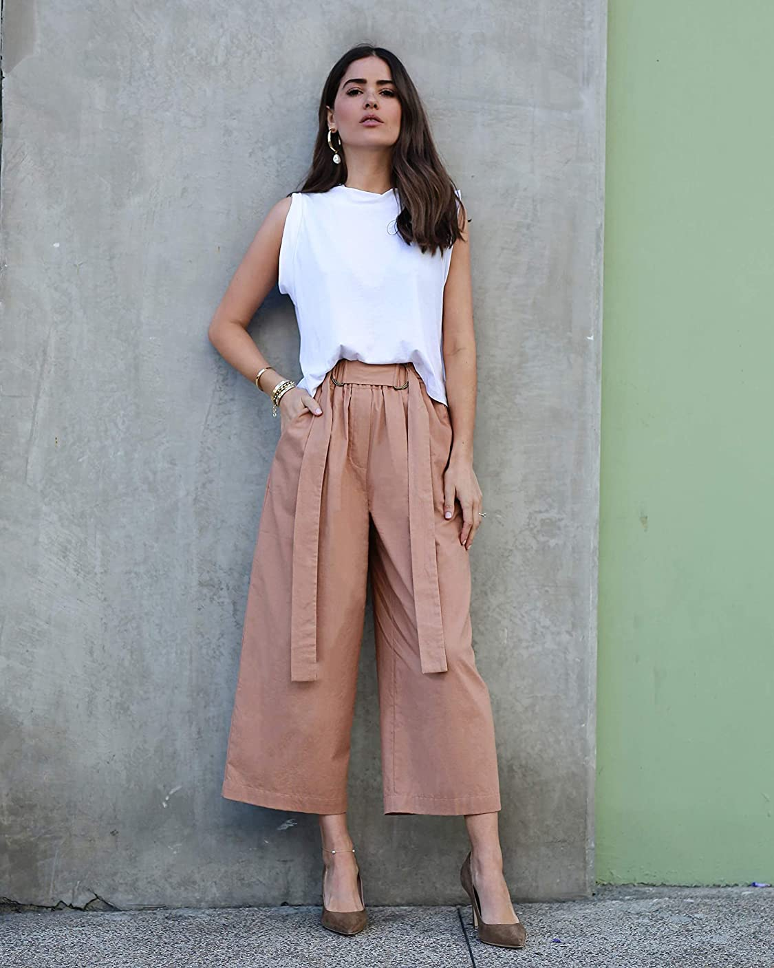 The Drop wears The Drop Women's Caramel Loose Fit High Rise Cropped Wide Leg Pant by @paolaalberdi