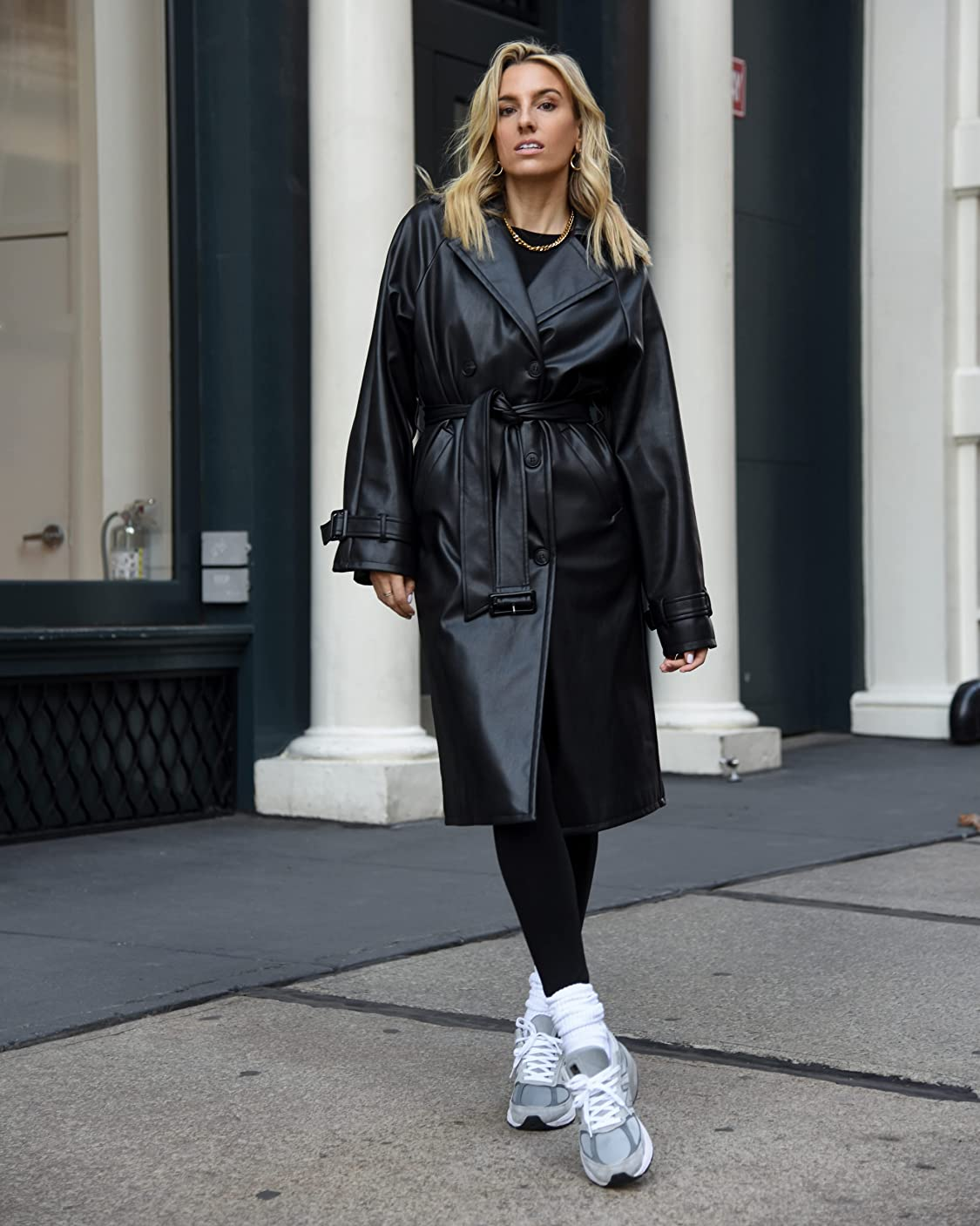 The Drop indossa The Drop, Cappotto Trench da Donna, in Similpelle, di @lisadnyc