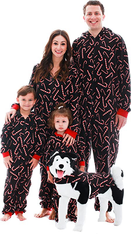 30% off All Holiday Pajamas