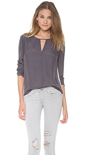 ADDISON Adler Twist Back Top