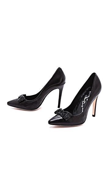 alice + olivia Dahlia Pumps