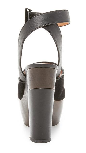 Alexa Wagner Rapunzel Sandals