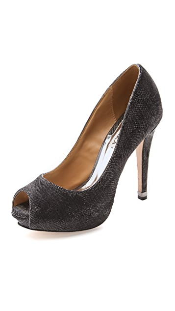 Badgley Mischka Humbie IV Pumps