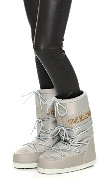a18d1097a Love Moschino Snow Boots