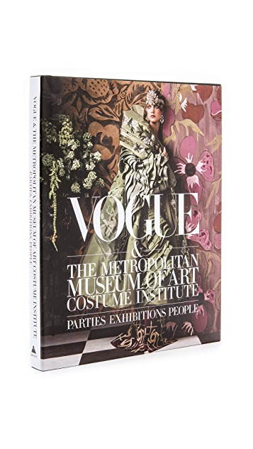 «Books with Style» Vogue и Институт костюма в Метрополитен-музее