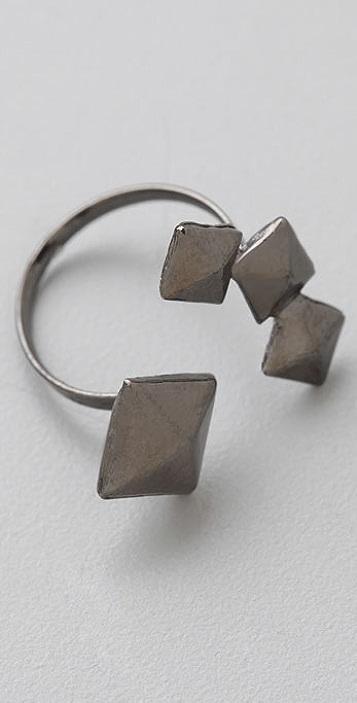 Bop Bijoux Open Pyramid Ring