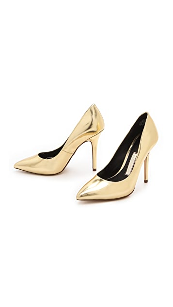 Boutique 9 Justine Specchio Pumps
