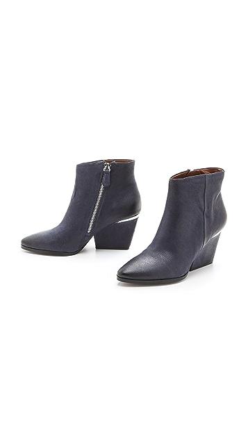 Boutique 9 Isoke Mid Heel Booties