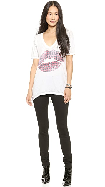 Chaser Winter Kiss Tee