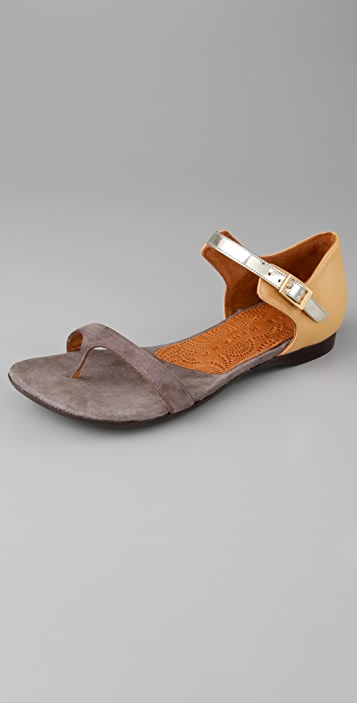 Chie Mihara Shoes Joven Flat Thong Sandals
