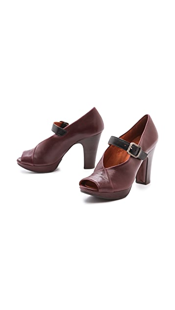 Chie Mihara Shoes Teunice Open Toe Pumps