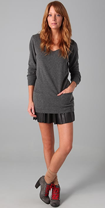 Chinti and Parker Boyfriend V-Neck Cashmere Sweater