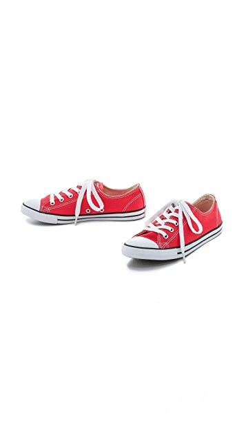 Converse Chuck Taylor All Star Dainty Sneakers