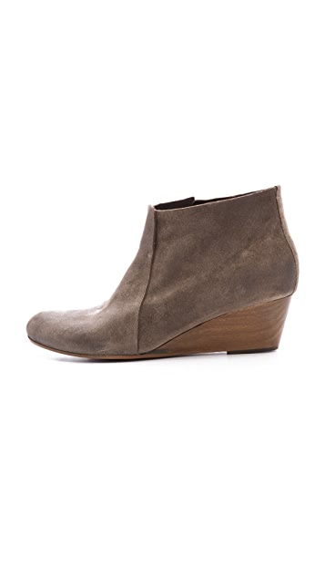 Coclico Shoes Killian Wedge Booties