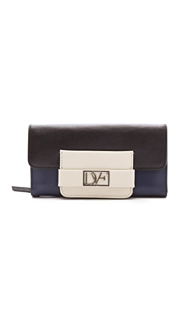Diane von Furstenberg DVF Metro Flap Wallet