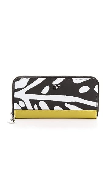 Diane von Furstenberg Charm Continental Wallet