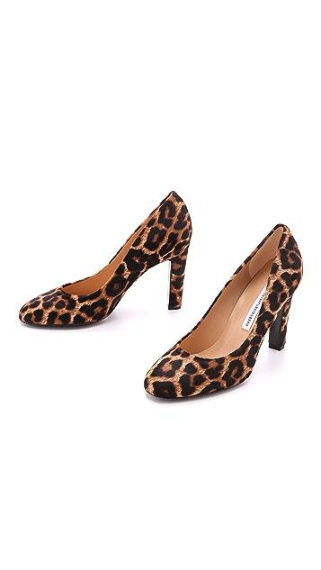 Diane von Furstenberg Serena Leopard Haircalf Pumps