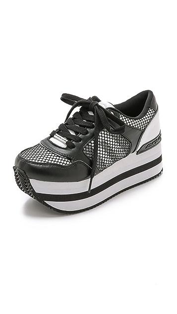 9d1382e73b4 DKNY Jill Platform Sneakers ...
