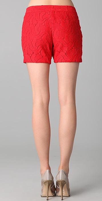 Doo.Ri Diagonal Pleated Shorts