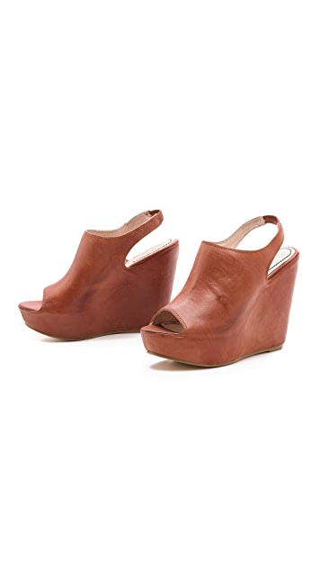 Elizabeth and James Holly Platform Sandals