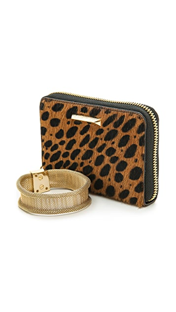 Elizabeth and James Pyramid Haircalf Smartphone Wallet