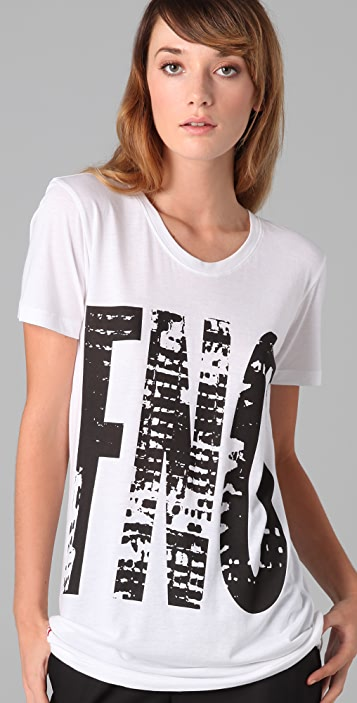 FASHION'S NIGHT OUT Fashion's Night Out Short Sleeve Tee