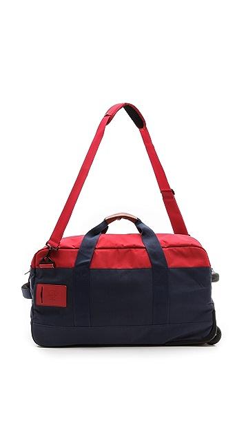 Herschel Supply Co. Wheelie Outfitter Suitcase