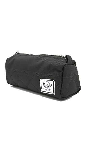 Herschel Supply Co. Settlement Quilted Case