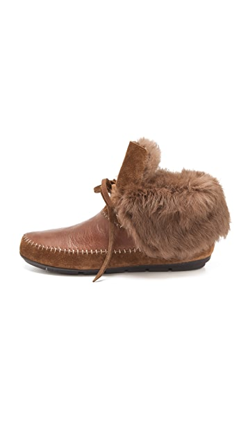 House of Harlow 1960 Madoxx Fur Lined Booties