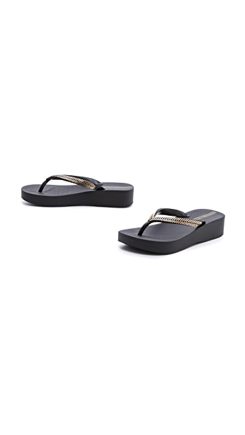 Ipanema Laurel Wedge Flip Flops