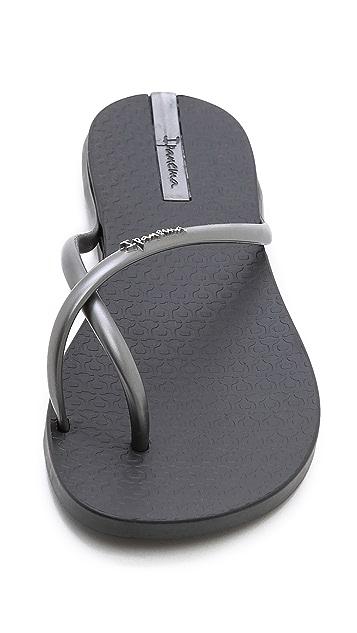 Ipanema Fit Thong Sandals