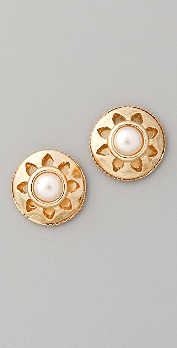 Juliet & Company Vintage Pearl Stud Earrings