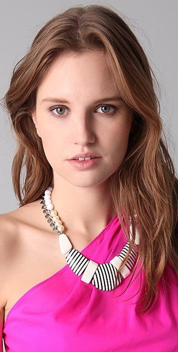 Juliet & Company La Reine de la Glace Necklace