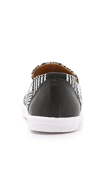 KAANAS Senegal Pointy Toe Slip On Sneakers