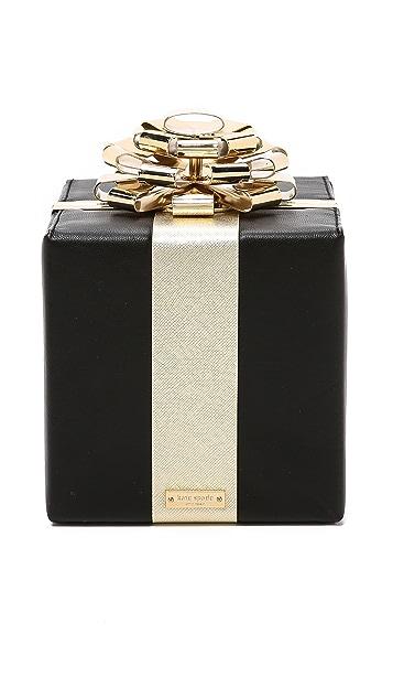 Kate Spade New York Клатч Gift Box