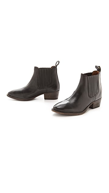 Kurt Geiger London Lang Chelsea Booties