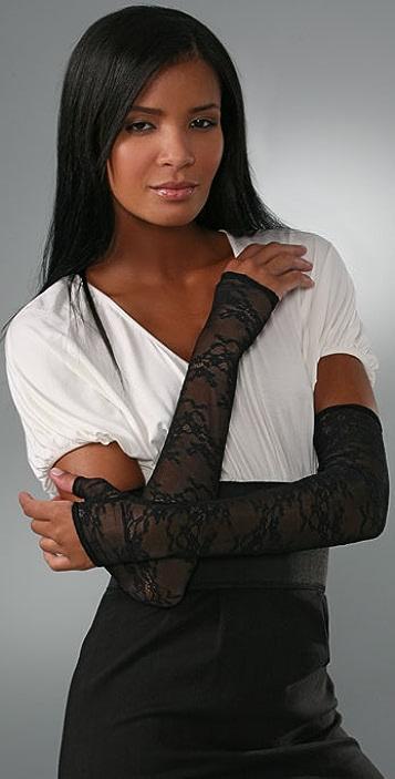 Kiki De Montparnasse Nuit Lace Gloves