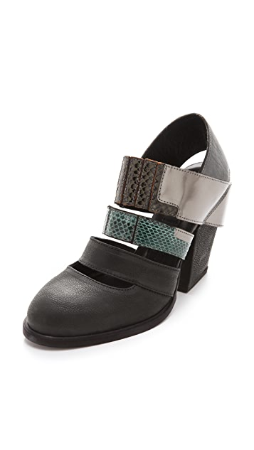 LD Tuttle The Mesh Strapped Booties