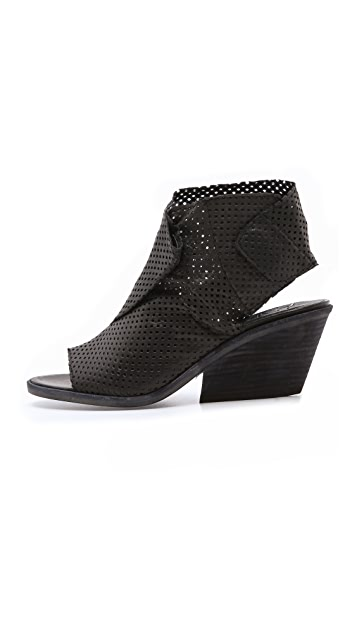 LD Tuttle The Bow Perforated Booties