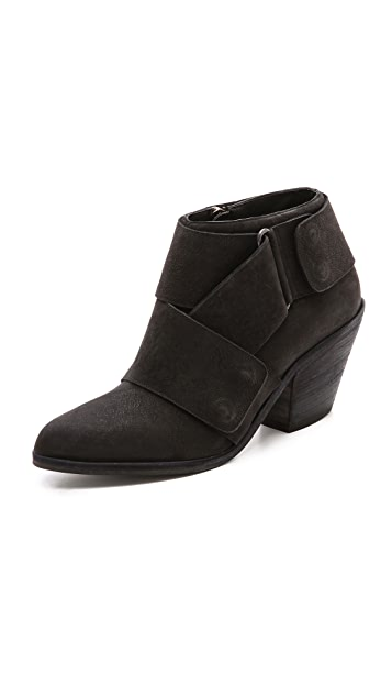 LD Tuttle The Wet Ankle Booties
